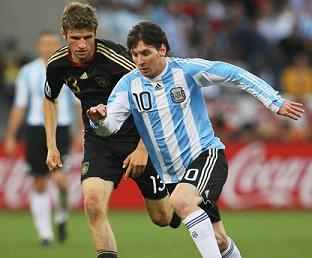 mueller-chased-down-messi
