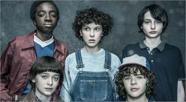 Stranger-Things-Season-2-Streaming-on-Netflix